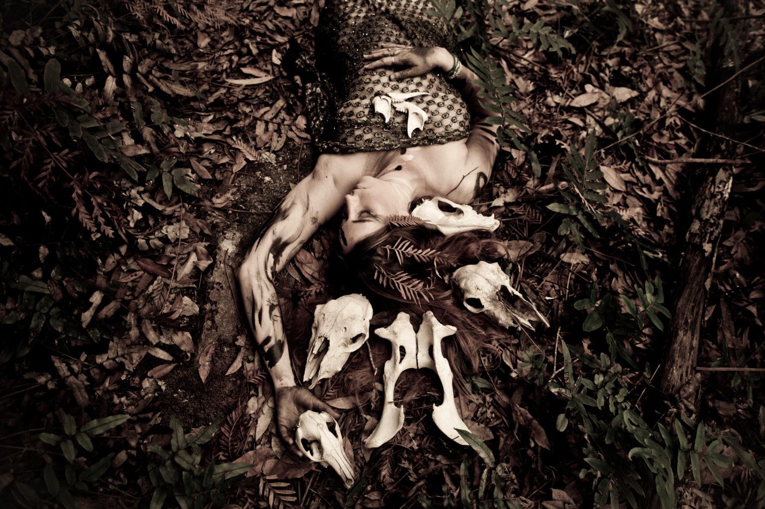story-bones-online